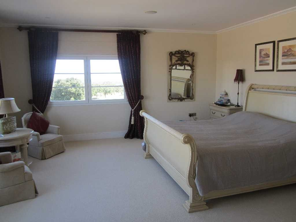 Master suite, sleigh bed, dressing room, balcony